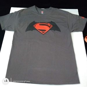 Batman superman tee shirt, d.c. comic t shirt lg.